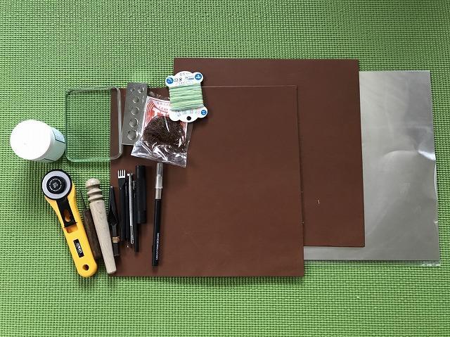 マネートレイの製作に使う道具と材料