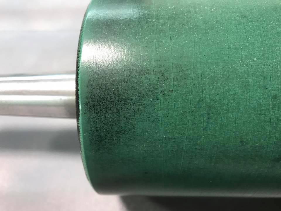 φ11cm×27cm サイズのローラー表面の状態
