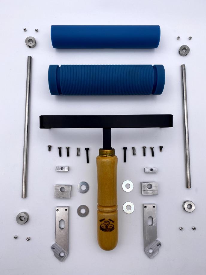 圧力調整機能付き2連ハンドローラー / 部品分解の状態