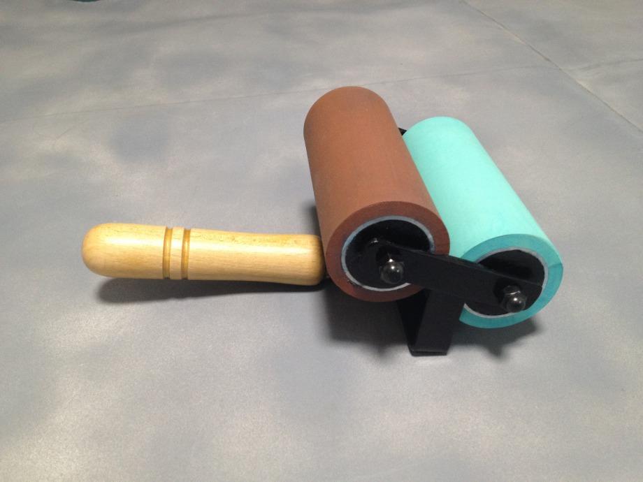 ツインローラー / 軟質=赤茶色 ・ 硬質=白 or 薄緑