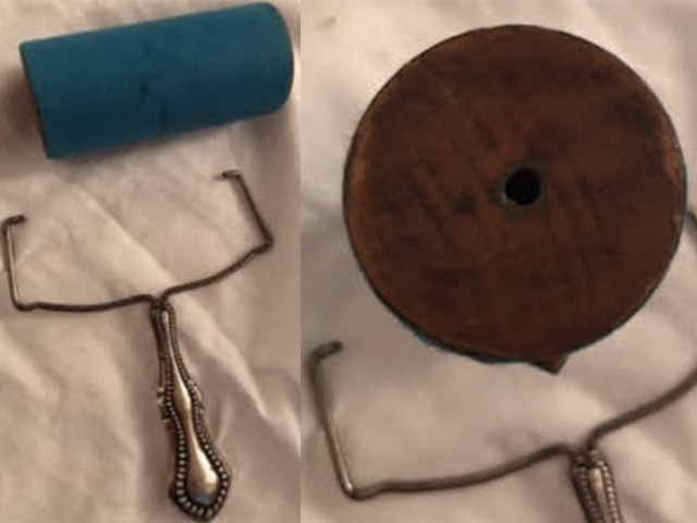 お客様がお使いの接着剤塗布用の木製+表面紙(?)のローラー