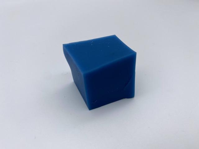 「樹脂」材質のカットサンプル